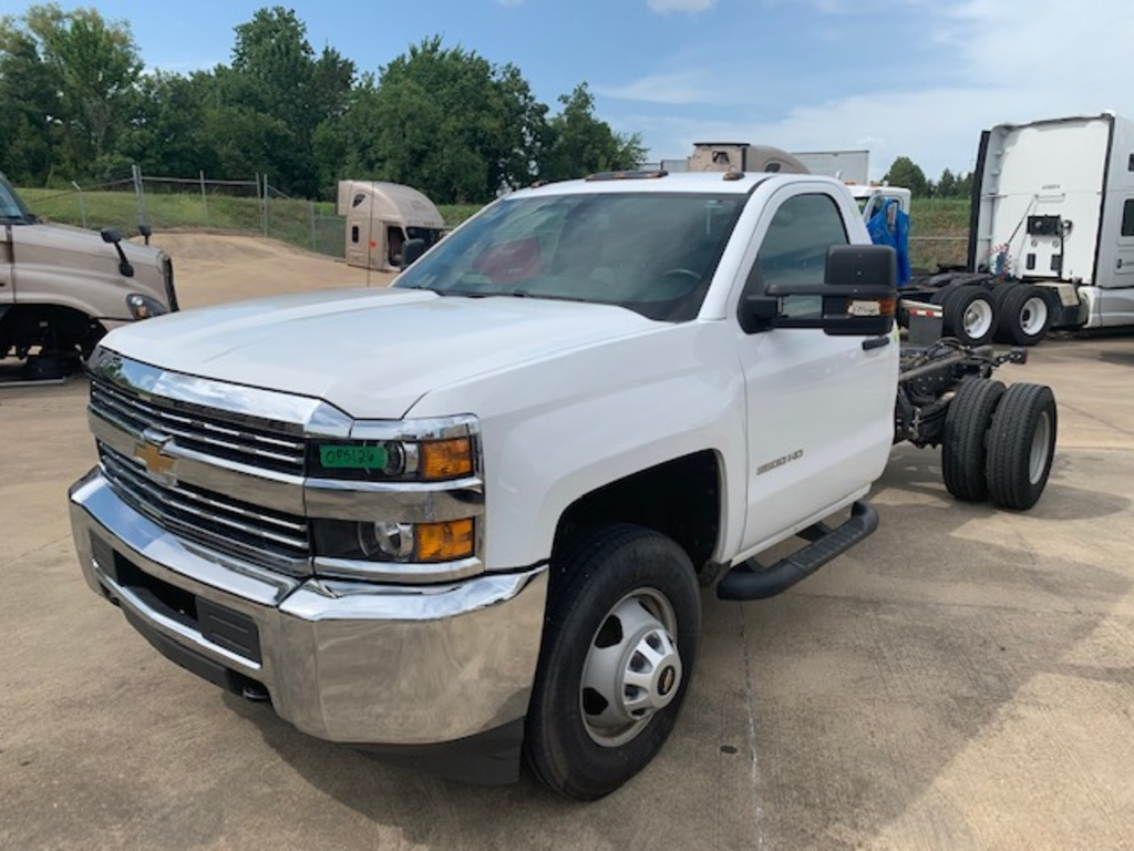 USED 2018 CHEVROLET 3500 CAB CHASSIS 2WD 1 TON PICKUP TRUCK #17543