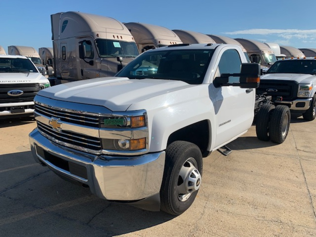 USED 2017 CHEVROLET 3500 CAB CHASSIS 2WD 1 TON PICKUP TRUCK #18135