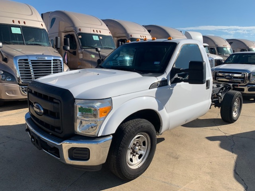 USED 2014 FORD F350 CAB CHASSIS 2WD 1 TON PICKUP TRUCK #18136