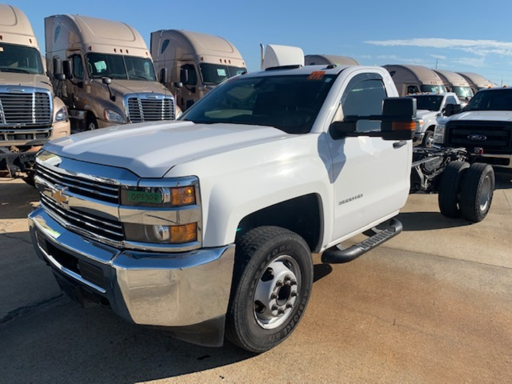 USED 2017 CHEVROLET 3500 CAB CHASSIS 2WD 1 TON PICKUP TRUCK #18139