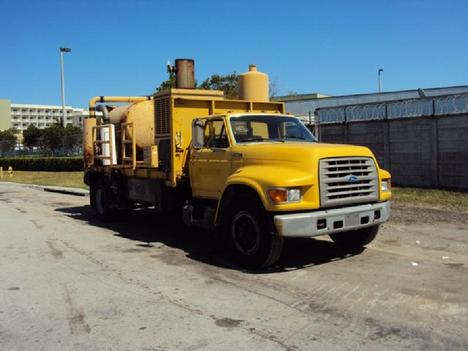 1995 FORD F700 Septic Tank Truck #1488