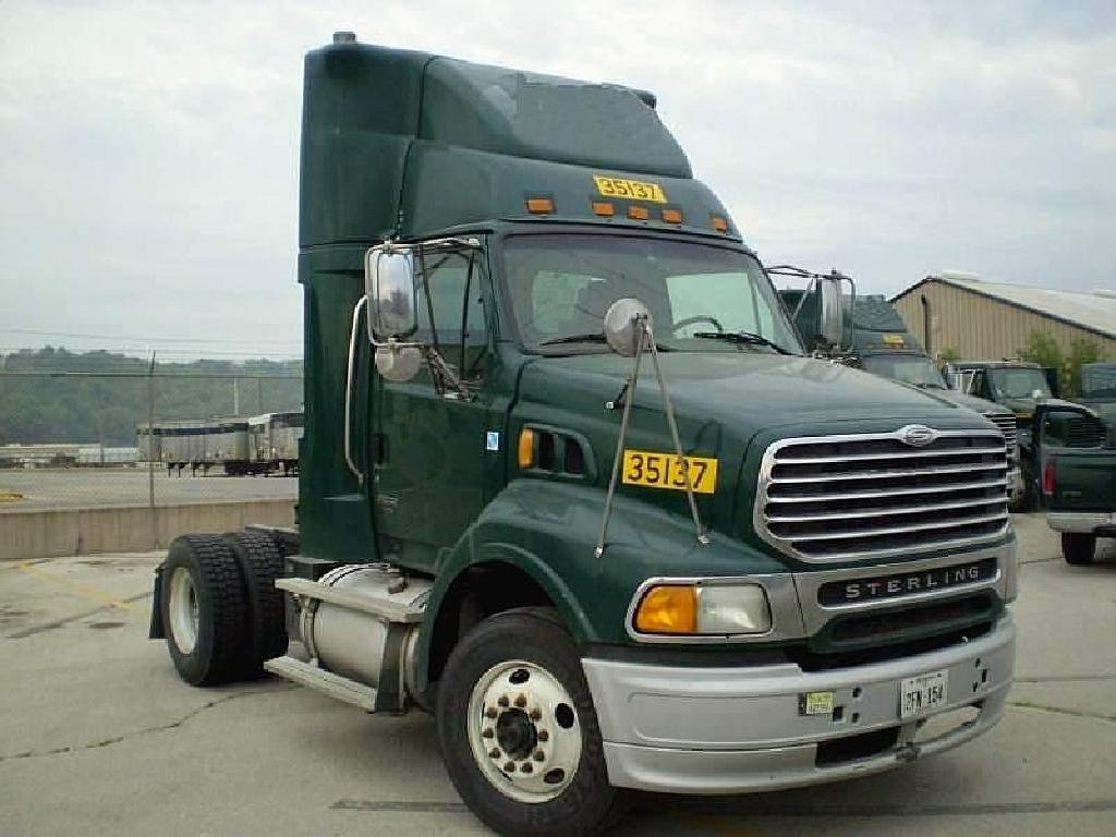 USED 2004 STERLING A9513 SINGLE AXLE DAYCAB TRUCK #48040
