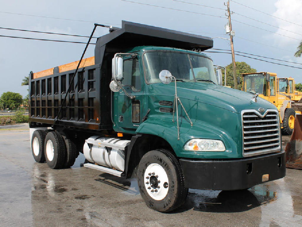 USED 2009 MACK CX612 T/A STEEL DUMP TRUCK #47046