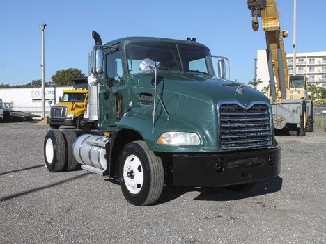 USED 2009 MACK CX612 SINGLE AXLE DAYCAB TRUCK #2241-1