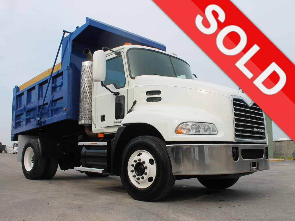 USED 2009 MACK PINNACLE CXU612 S/A STEEL DUMP TRUCK #2502