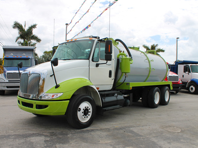 USED 2009 INTERNATIONAL 8600 SEPTIC TANK TRUCK #2533-3
