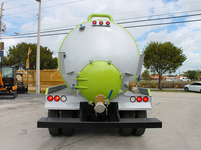 USED 2009 INTERNATIONAL 8600 SEPTIC TANK TRUCK #2533-6