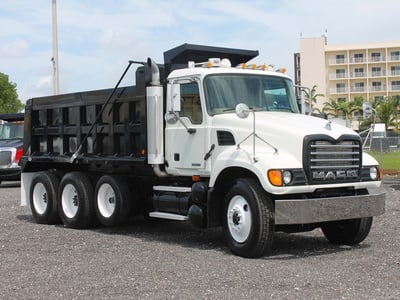 USED 2006 MACK GRANITE TRI-AXLE STEEL DUMP TRUCK #2551