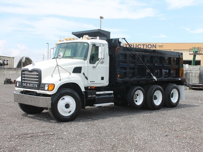 USED 2006 MACK GRANITE TRI-AXLE STEEL DUMP TRUCK #2551-8