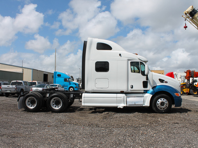 USED 2005 PETERBILT 387 TANDEM AXLE SLEEPER TRUCK #2566-7