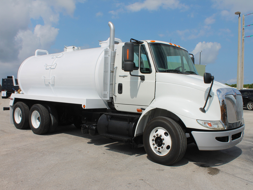 USED 2009 INTERNATIONAL 8600 VACUUM TRUCK #71261