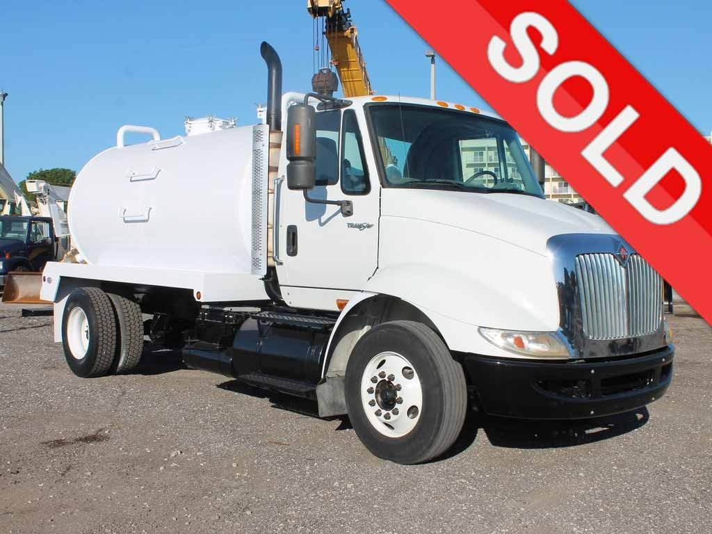 USED 2010 INTERNATIONAL 8600 SEPTIC TANK TRUCK #2619