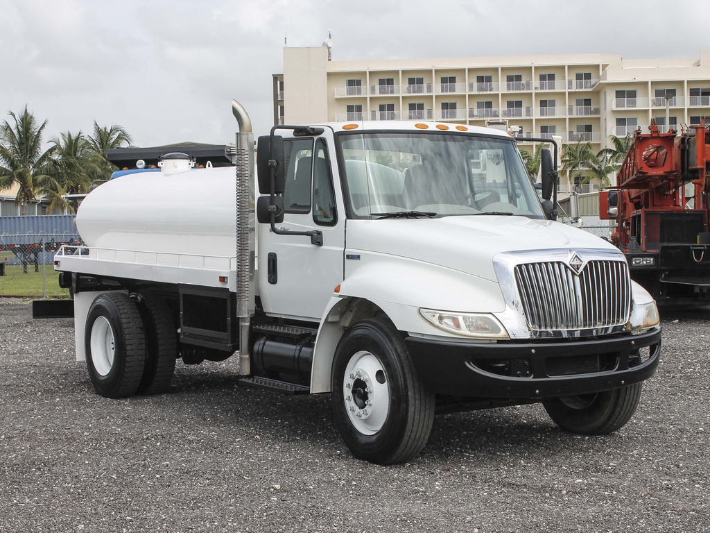 USED 2009 INTERNATIONAL 4300 WATER TRUCK #122539