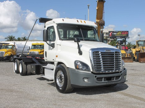 2012 FREIGHTLINER CASCADIA Single Axle Daycab #2894
