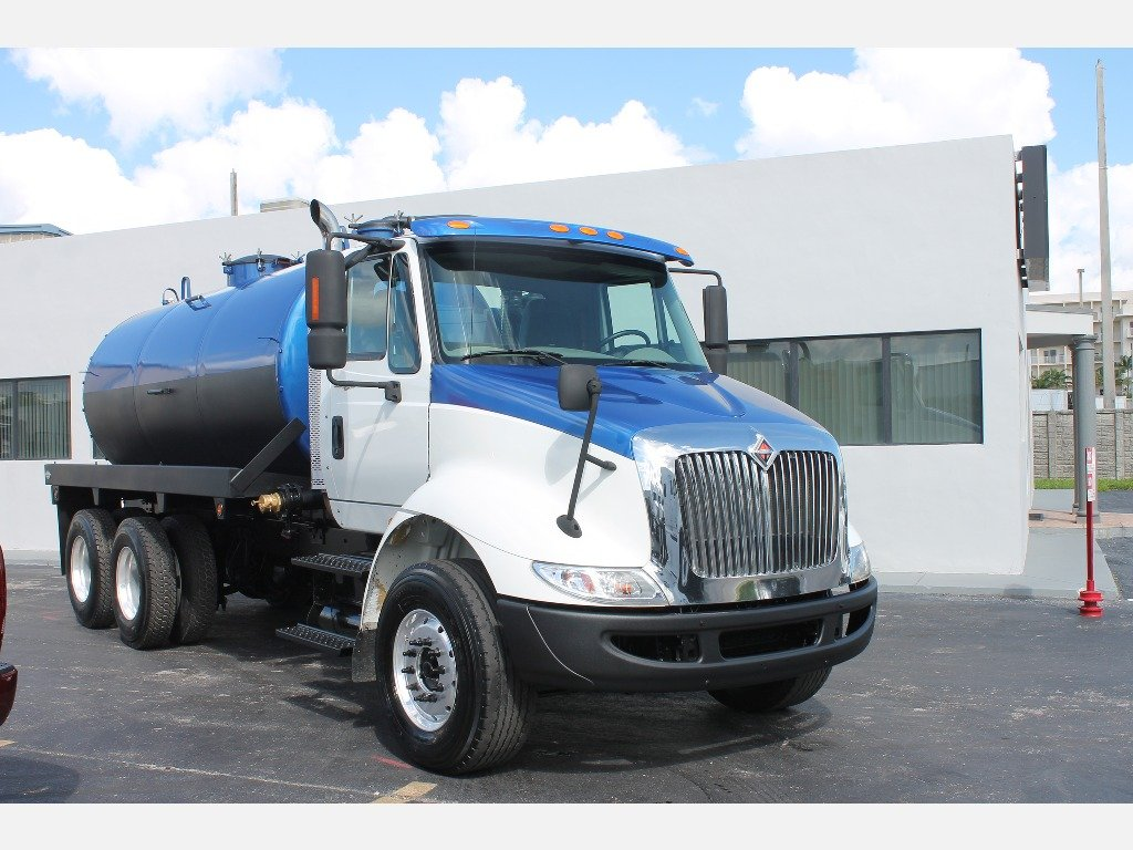 USED 2010 INTERNATIONAL 8600 SEPTIC TANK TRUCK #2991