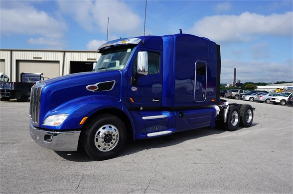 NEW 2018 PETERBILT 579 SLEEPER TRUCK #1381