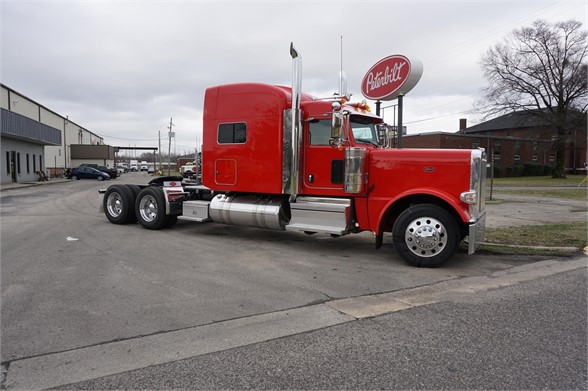 NEW 2019 PETERBILT 389 SLEEPER TRUCK #1395
