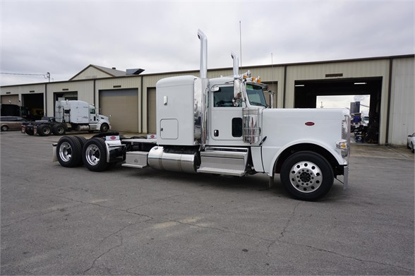 NEW 2019 PETERBILT 389 SLEEPER TRUCK #1397
