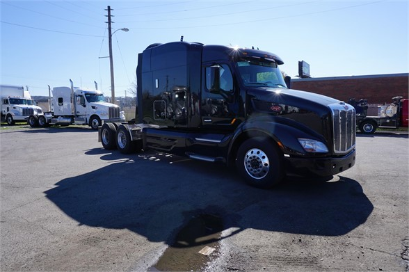 NEW 2019 PETERBILT 579 SLEEPER TRUCK #1421