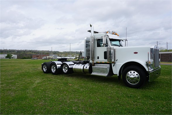 USED 2014 PETERBILT 389 DAYCAB TRUCK #1428