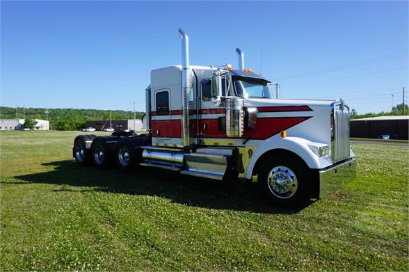 USED 2016 KENWORTH W900 SLEEPER TRUCK #1434
