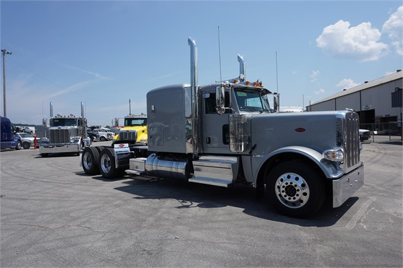 NEW 2019 PETERBILT 389 SLEEPER TRUCK #1483