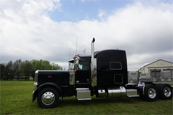 NEW 2020 PETERBILT 389 SLEEPER TRUCK #2059