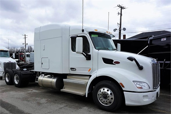 NEW 2019 PETERBILT 579 SLEEPER TRUCK #2081
