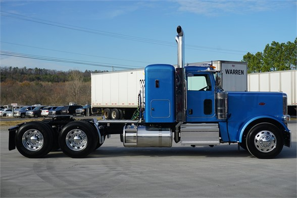 NEW 2020 PETERBILT 389 SLEEPER TRUCK #3064-2