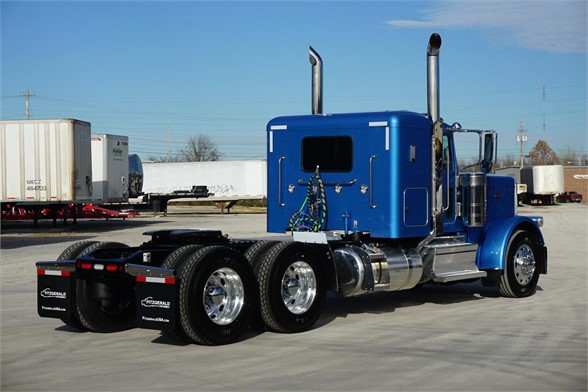 NEW 2020 PETERBILT 389 SLEEPER TRUCK #3064-3