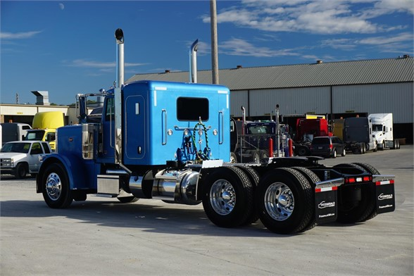 NEW 2020 PETERBILT 389 SLEEPER TRUCK #3064-4