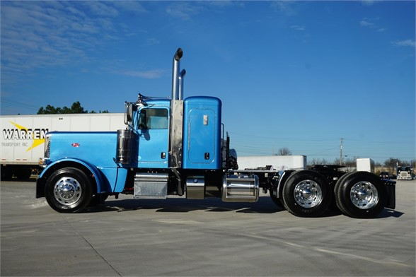 NEW 2020 PETERBILT 389 SLEEPER TRUCK #3064-7