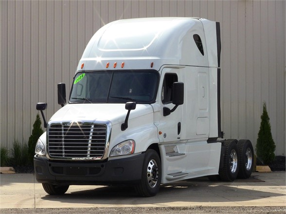 USED 2014 FREIGHTLINER CASCADIA 125 SLEEPER TRUCK #11301
