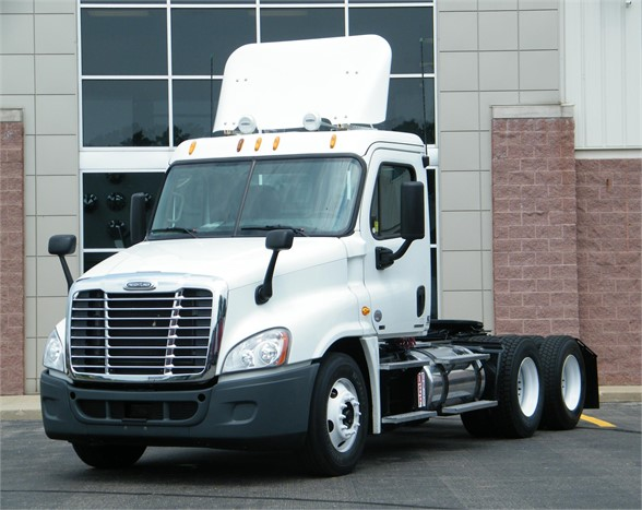 USED 2012 FREIGHTLINER CASCADIA 125 DAYCAB TRUCK #11466