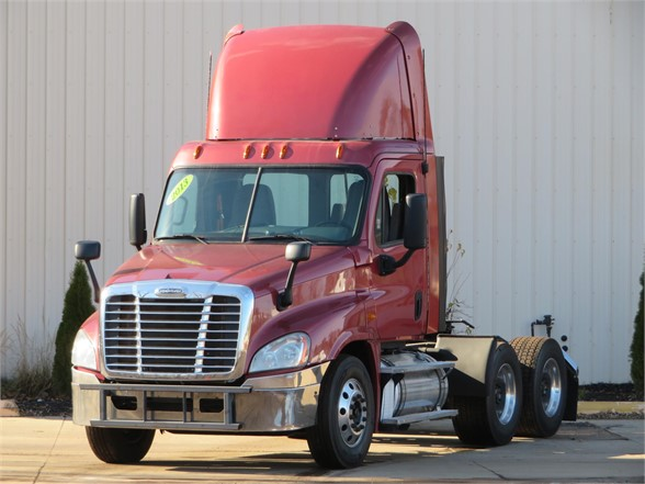 USED 2013 FREIGHTLINER CASCADIA 125 DAYCAB TRUCK #11641