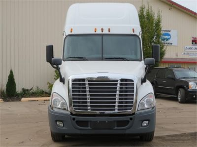 USED 2015 FREIGHTLINER CASCADIA 125 SLEEPER TRUCK #11691-3