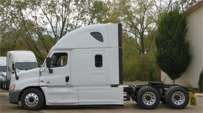 USED 2015 FREIGHTLINER CASCADIA 125 SLEEPER TRUCK #11691-6