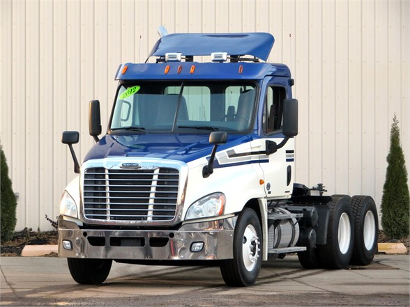 USED 2012 FREIGHTLINER CASCADIA 125 DAYCAB TRUCK #11705