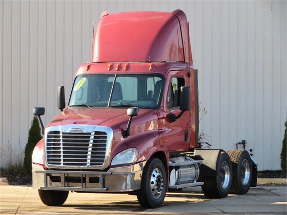 USED 2013 FREIGHTLINER CASCADIA 125 DAYCAB TRUCK #11741