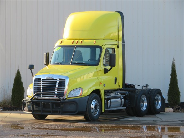 USED 2016 FREIGHTLINER CASCADIA 125 EVOLUTION DAYCAB TRUCK #11765