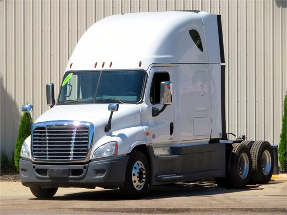 USED 2016 FREIGHTLINER CASCADIA 125 EVOLUTION SLEEPER TRUCK #11826
