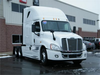 USED 2014 FREIGHTLINER CASCADIA 125 SLEEPER TRUCK #11837-2