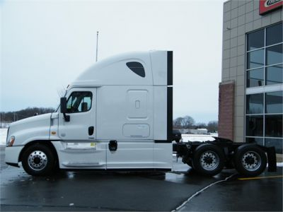 USED 2014 FREIGHTLINER CASCADIA 125 SLEEPER TRUCK #11837-6