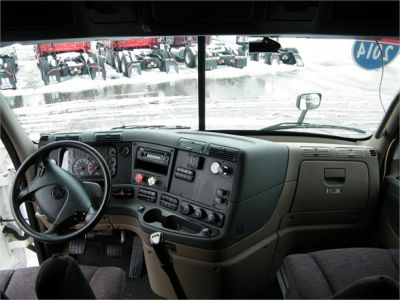 USED 2014 FREIGHTLINER CASCADIA 125 SLEEPER TRUCK #11837-8
