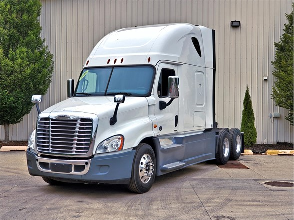 USED 2016 FREIGHTLINER CASCADIA 125 EVOLUTION SLEEPER TRUCK #11951