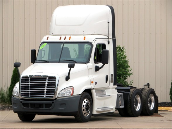 USED 2014 FREIGHTLINER CASCADIA 125 DAYCAB TRUCK #11986
