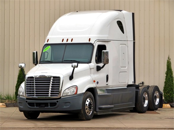 USED 2017 FREIGHTLINER CASCADIA 125 EVOLUTION SLEEPER TRUCK #11995