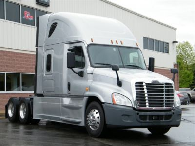USED 2016 FREIGHTLINER CASCADIA 125 EVOLUTION SLEEPER TRUCK #12025-3