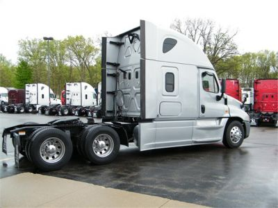 USED 2016 FREIGHTLINER CASCADIA 125 EVOLUTION SLEEPER TRUCK #12025-6