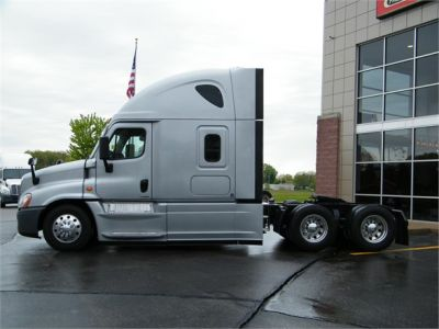 USED 2016 FREIGHTLINER CASCADIA 125 EVOLUTION SLEEPER TRUCK #12025-7